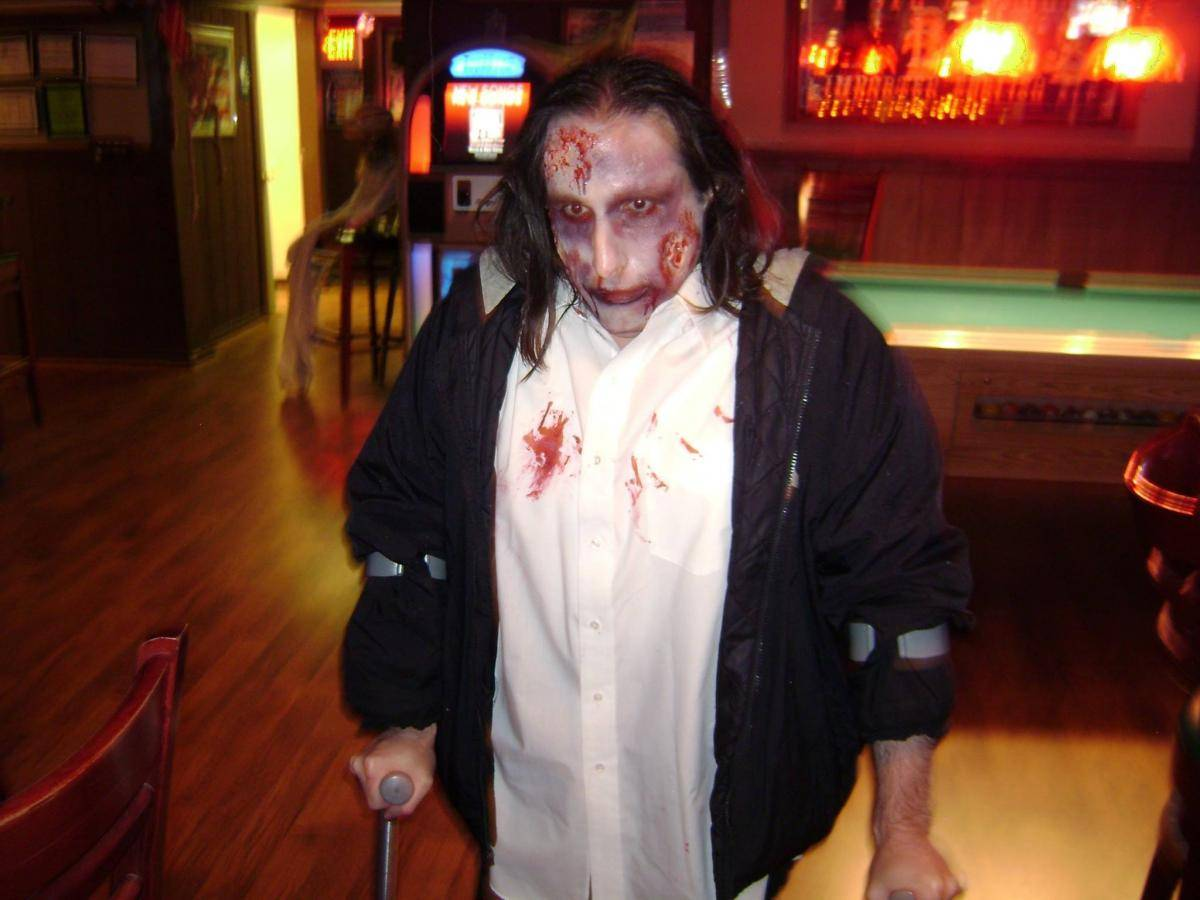 tavern-on-the-rocks-halloween-2014-03